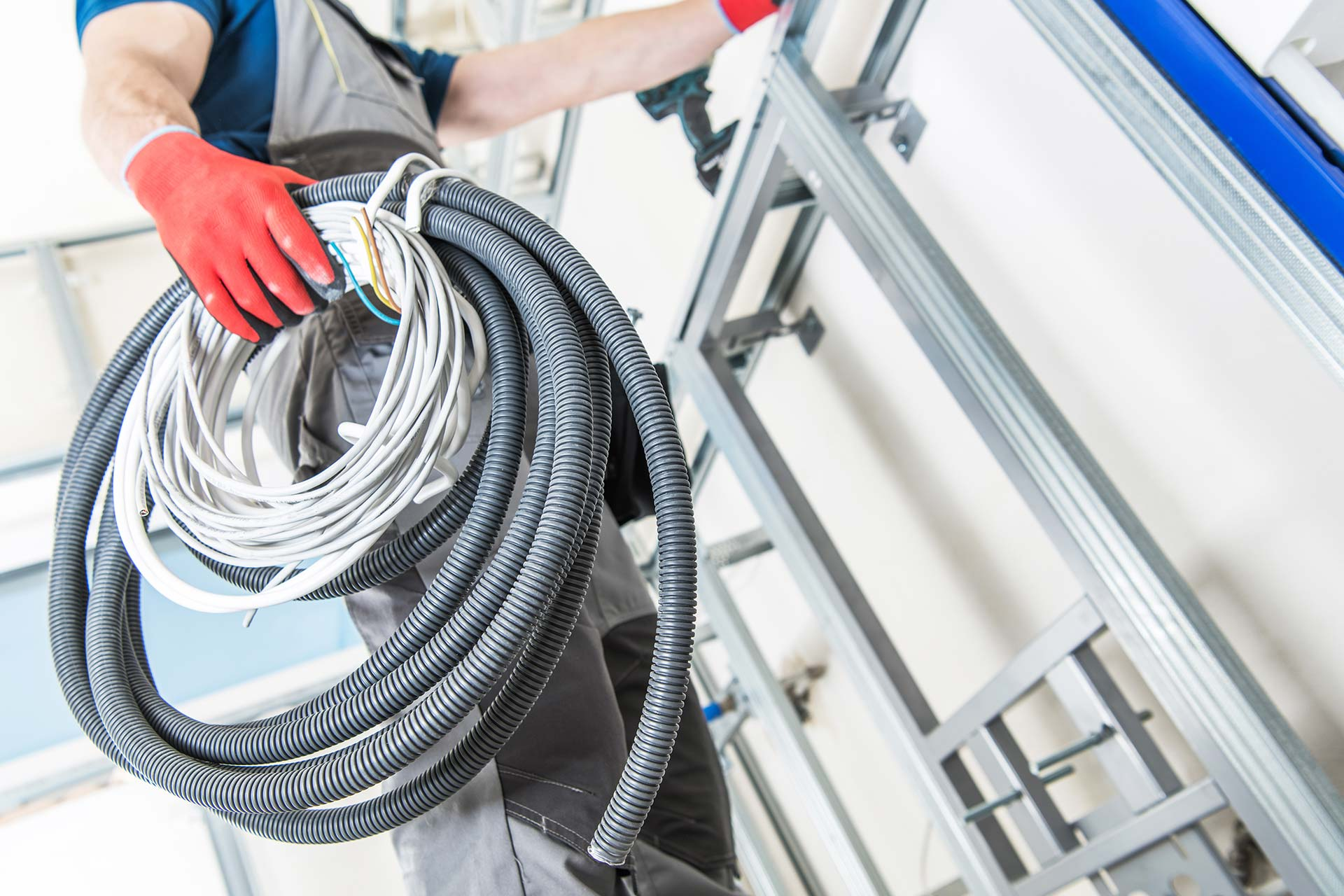 Finding the Right Electrician for Domestic Work in the City